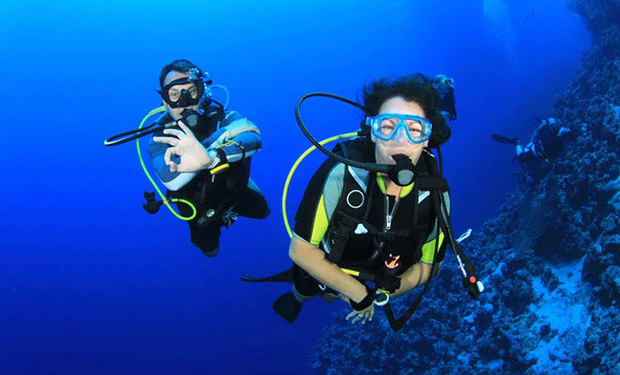 Open Water Diving Course, PADI Certified (18 meters), Plus One Extra Dive in Fujairah for only AED 1,299. ( plus 5 % VAT)